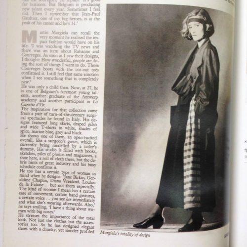1984年,Geert Bruloot和合夥人Eddy Michiels準備要開設鞋裝店Cocodrillo時,Margiela曾毛遂自薦自己的鞋子系列,而這雙非常英式、90年代、極具陽剛設計的高跟鞋,他的第一位買家就是Ann Demeulemeester。