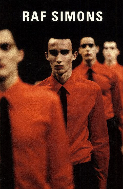 Raf Simons F/W 1998 inspired by Kraftwerk《Man Merchine》(1978)