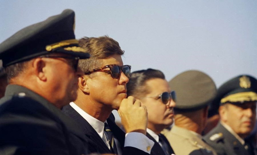 jfk-wearing-gold-cufflinks-and-tortoiseshell-sunglasses