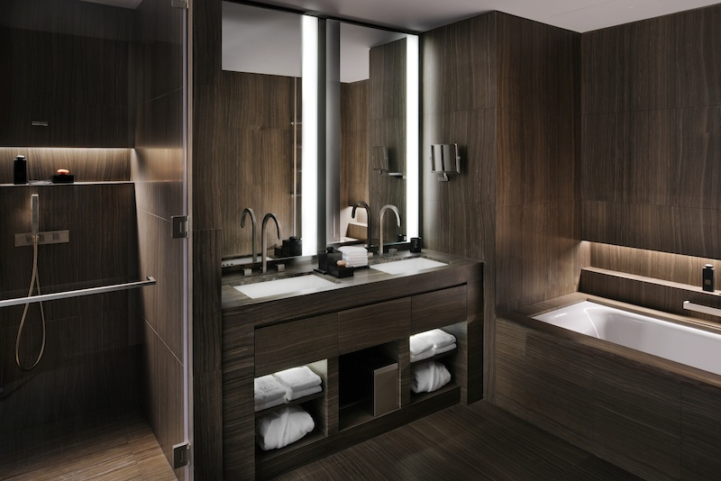 20-armani-classic-bathroom