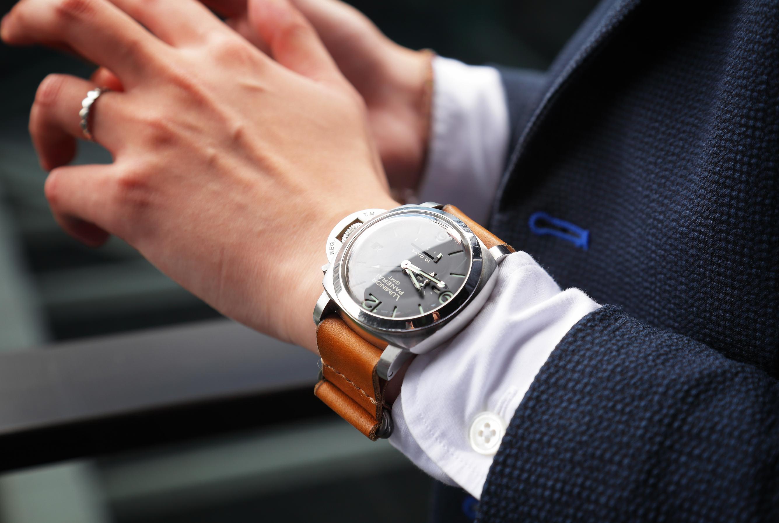 父親贈送的腕錶,如今成為他提醒自己要努力向上的信物。