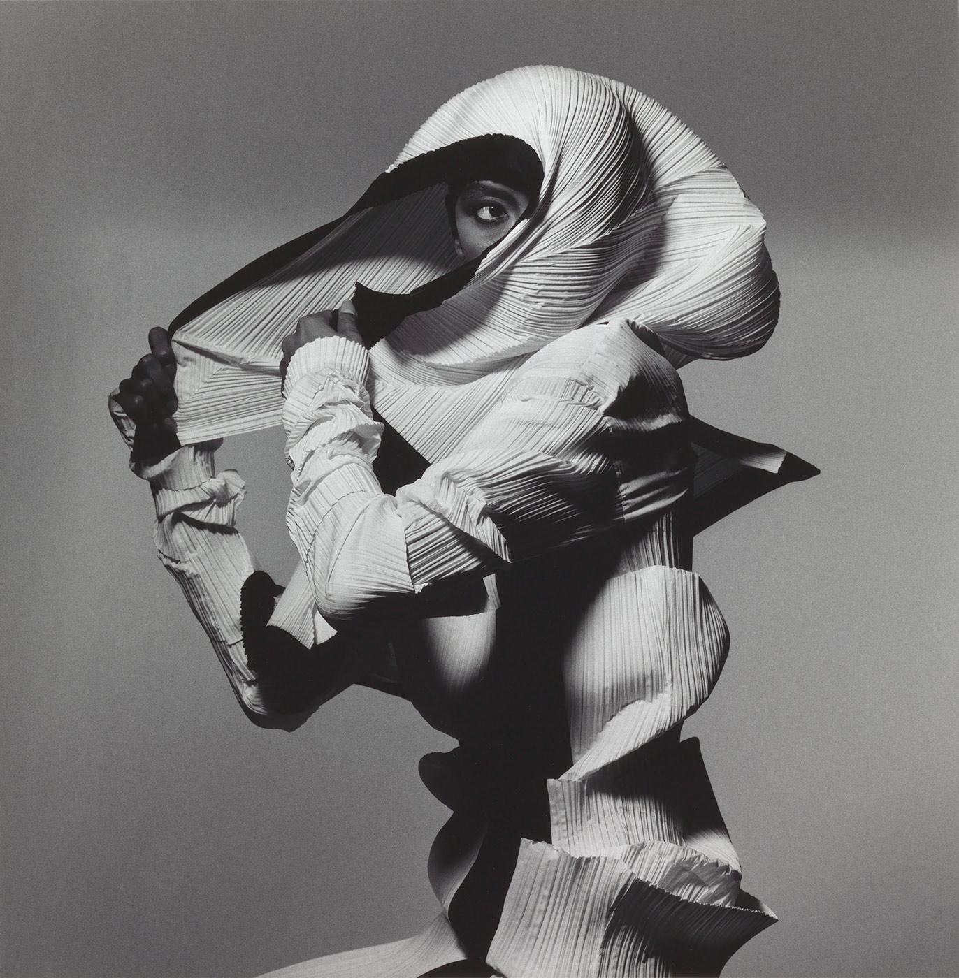 Issey Miyake , New York by Irving Penn, 1990