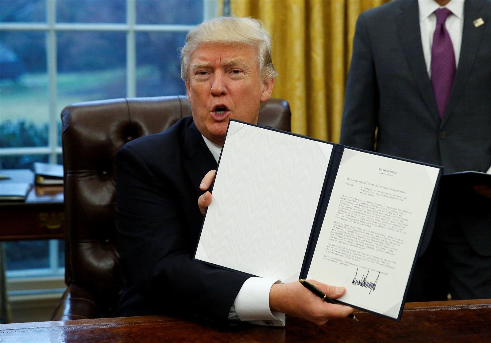 川普簽訂退出跨太平洋夥伴協定(TPP)