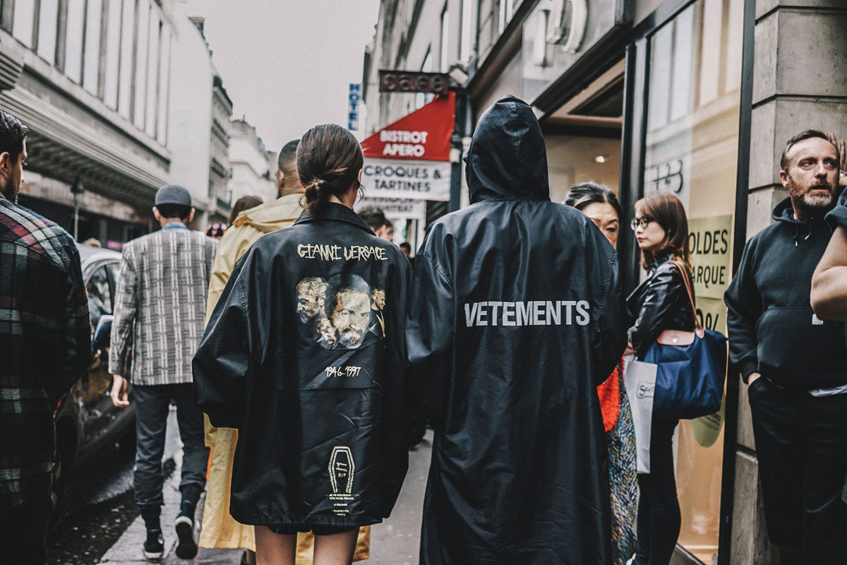 street_style_alta_costura_paris_julio_2016_vetements_versace__94473282_1200x-1