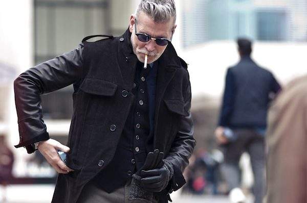 nick-wooster-smoking-black-streetstyle-600x398