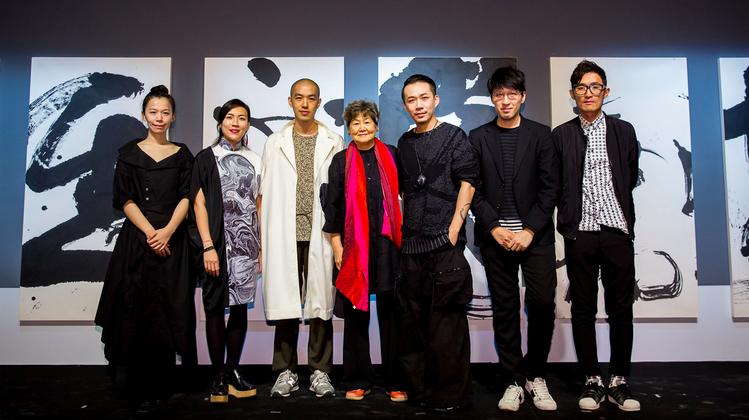 左起:蔡宜芬、何善恒、陳劭彥、策展人董陽孜、周裕穎、詹朴、鄧曉滔