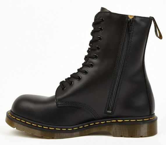 yohji-yamamoto-x-dr-martens---10-eyelet-boot--available-now---2