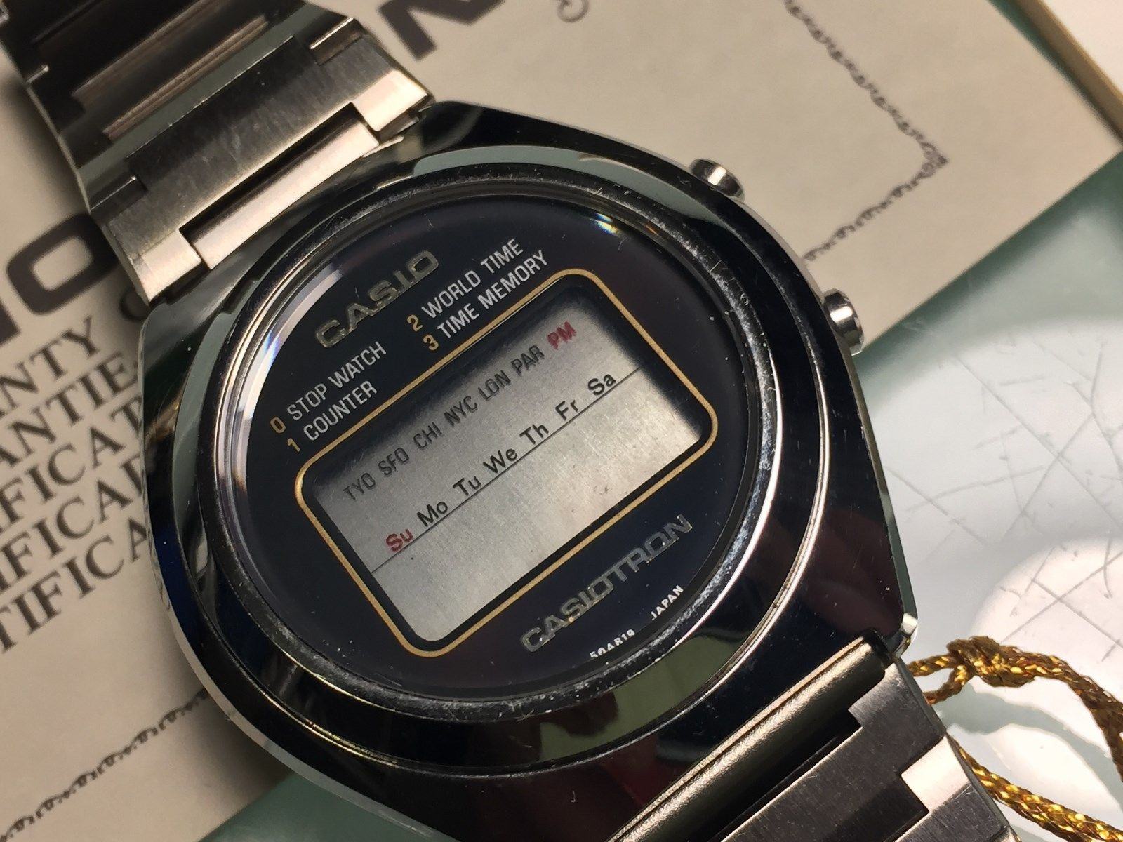 RARE CASIOTRON FIRST WORLD TIME WATCH MADE IN JAPAN