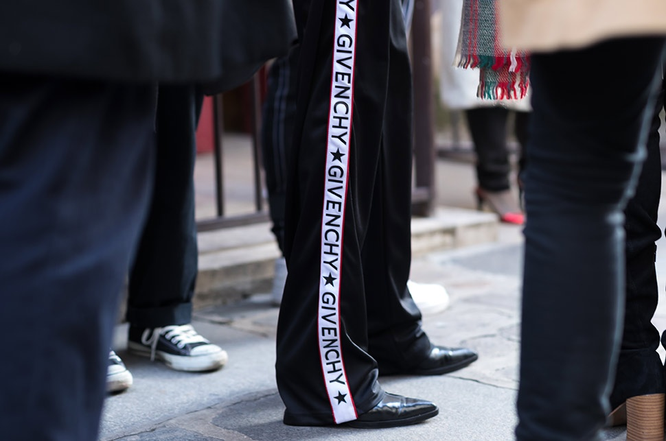 paris-mens-fashion-week-street-style-givenchy-trousers