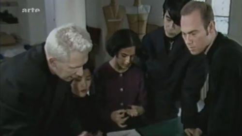 Jean Paul Gaultier 1993 年曾告訴《紐約時報》:「我對 Martin 說我不需要設計助理,然後他回我:『我不在乎,我也可以當你的秘書。』之後他負責了商業系列,我當時已見識到他的能耐,我對他說,你在這兒做什麼?你大可做出非凡之舉。」