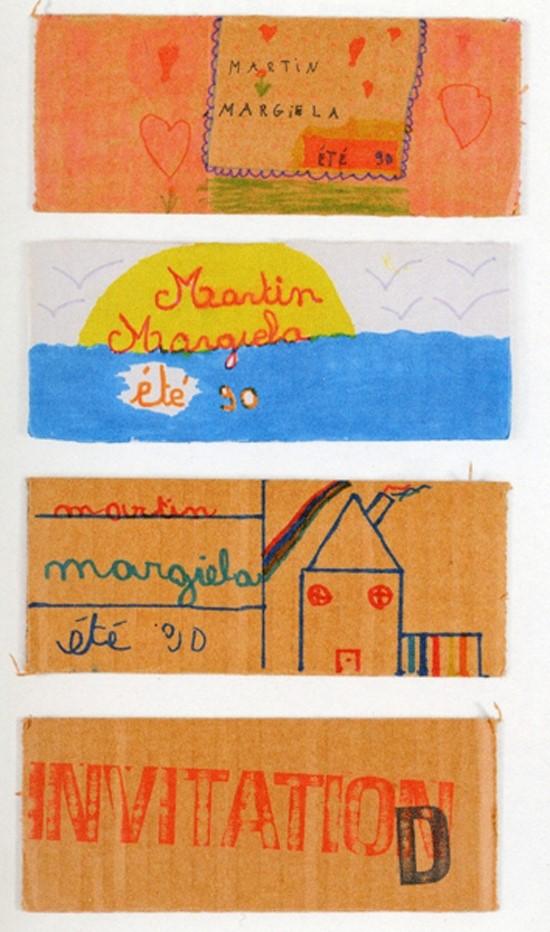 MMM 媒體公關 (1989-1992) Pierre Rougier:「Martin討厭那種書寫漂亮,印刷精美的邀請函。因為我們要在孩子們的操場上辦一場秀,我們就想讓孩子們來畫畫邀請函,就像他們邀請你來到他們的領地上。接下來的問題就是,我們去哪兒找500個小朋友來畫所有的邀請函呢?於是,我們裁了很多硬紙板,把它們交給當地的學校,在美術課上,他們就時裝秀的主題畫下自己的想法。」