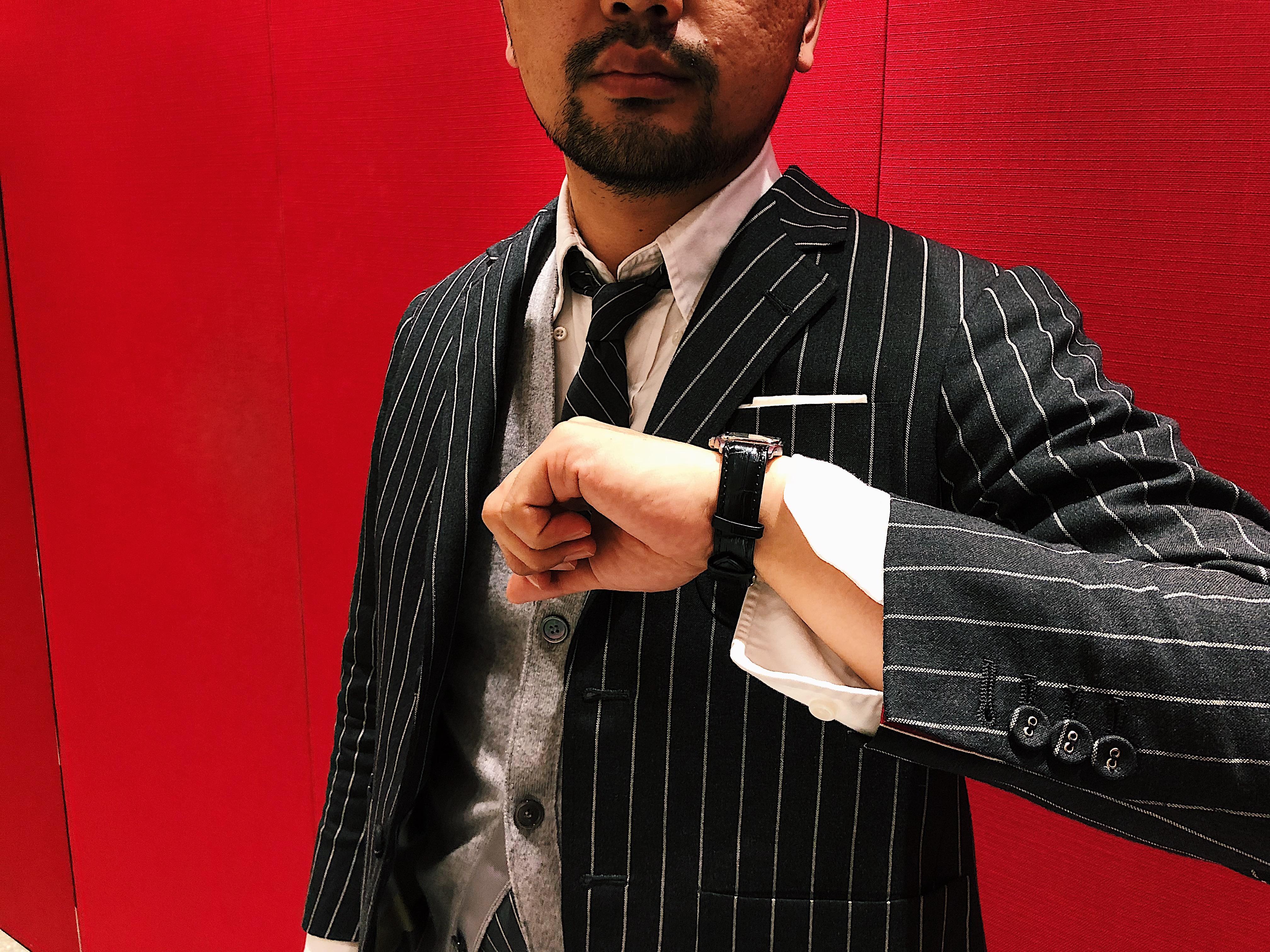 為了合身,每件西裝跟襯衫Juwon 都會改短1又1/2吋