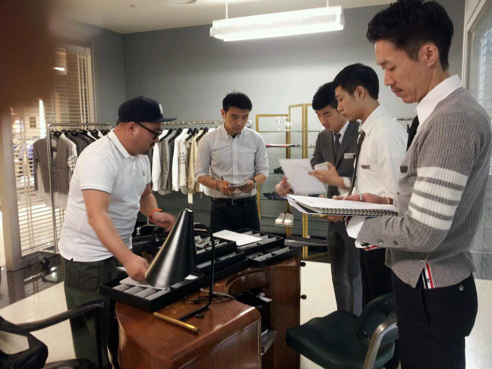 Juwon 店務會議中