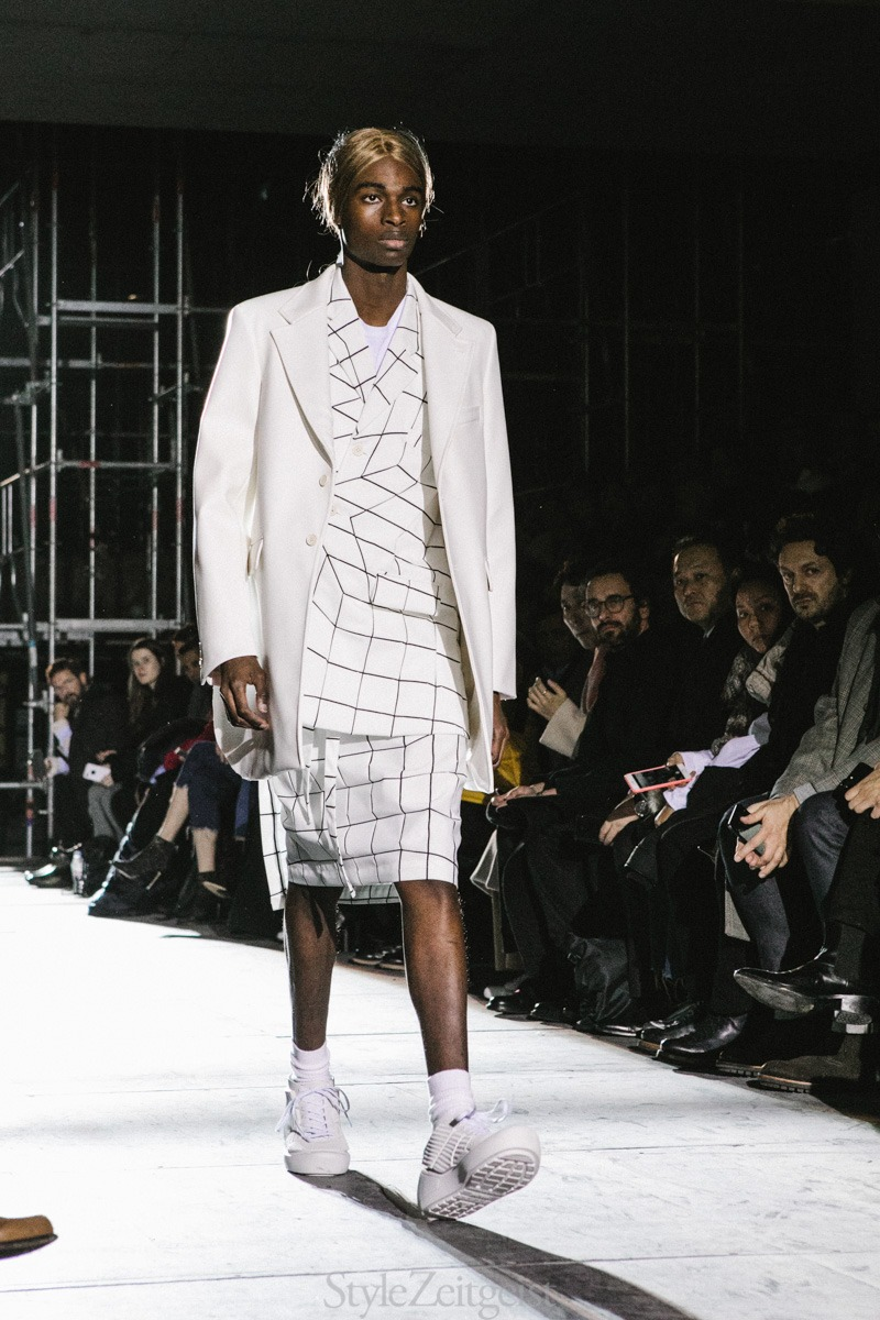 Comme-des-Garcons-Homme-Plus-F-W18-Men's-–-Paris_2018_StyleZeitgeist-28
