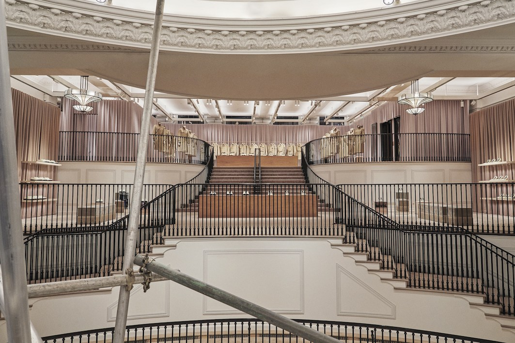 Burberry-reimagines-its-Regent-Street-flagship-store-the-impression-002