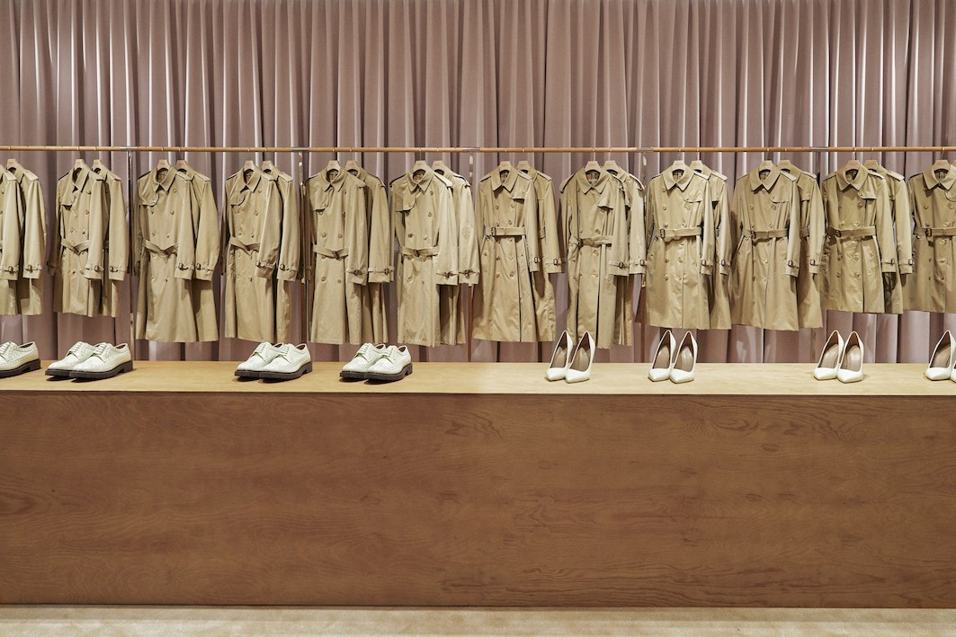 Burberry-reimagines-its-Regent-Street-flagship-store-the-impression-005
