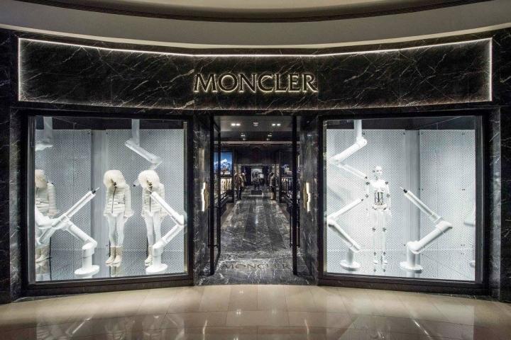 Moncler-BoutiqueTaipei-Taiwan-05