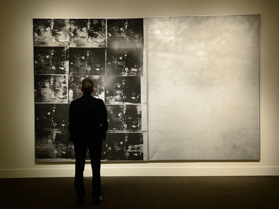 Andy Warhol《銀色車禍》2013 年以 31 億台幣落槌賣出